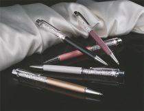 ART CRYSTELLA Golyóstoll, világoslila, felül fehér SWAROVSKI® kristállyal töltve, 14 cm, ART CRYSTELLA®
